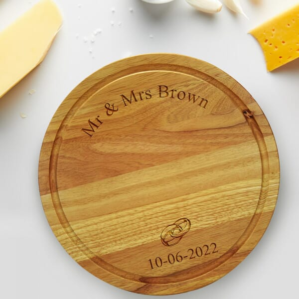 Personalised Chopping board - Mr & Mrs Wedding Ring