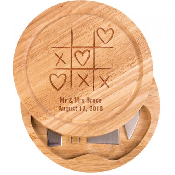 Personalised Cheese Board - Noughts & Crosses